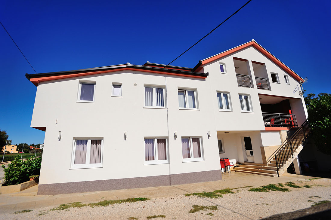 Mica-Medjugorje-House-and-parking-2