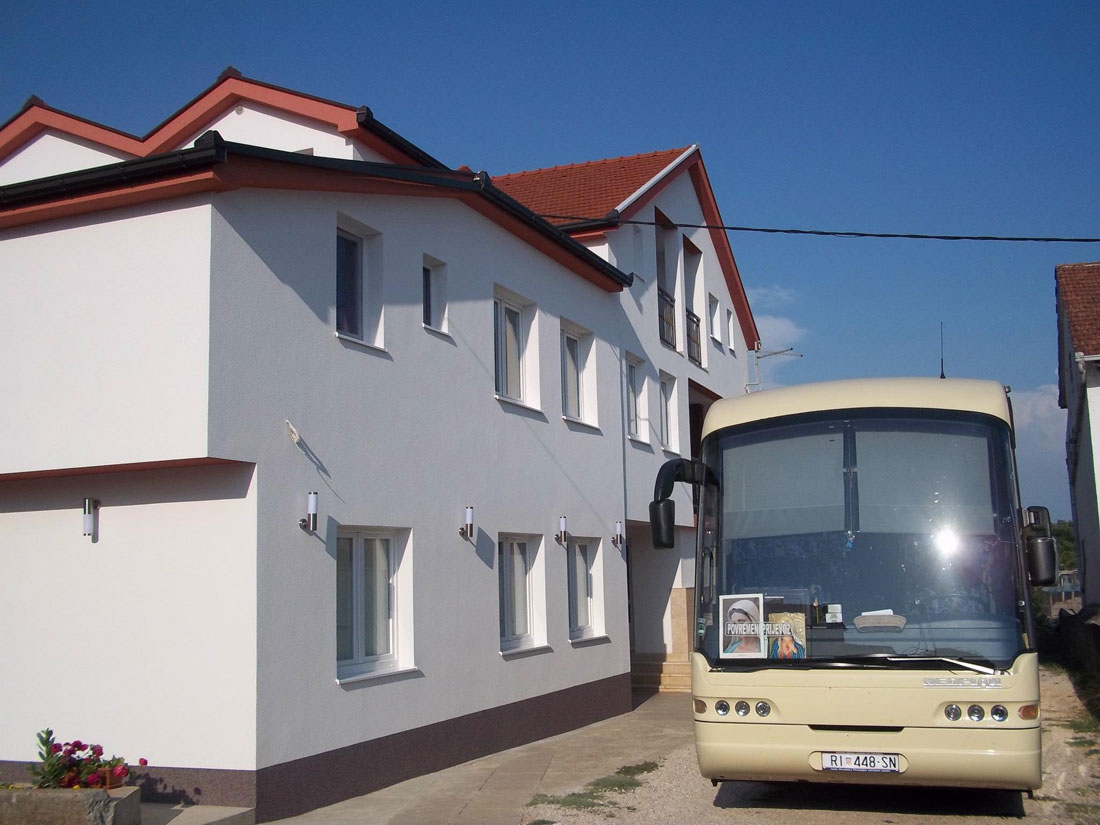 Mica-Medjugorje-House-and-parking